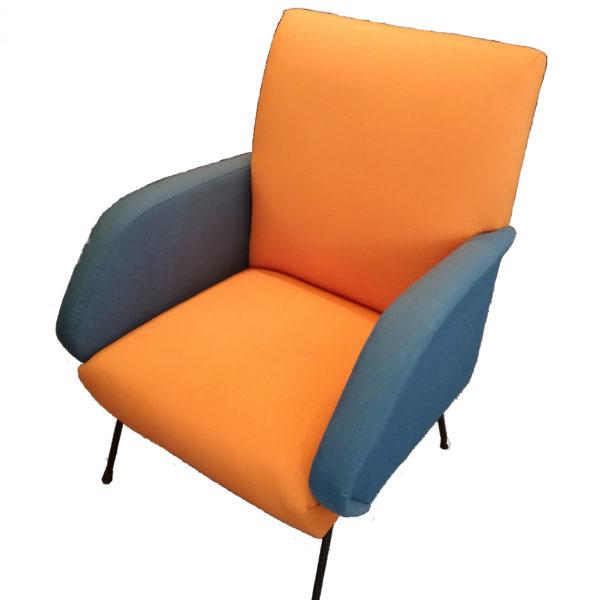Poltrona-arancio-blu-design-anni50